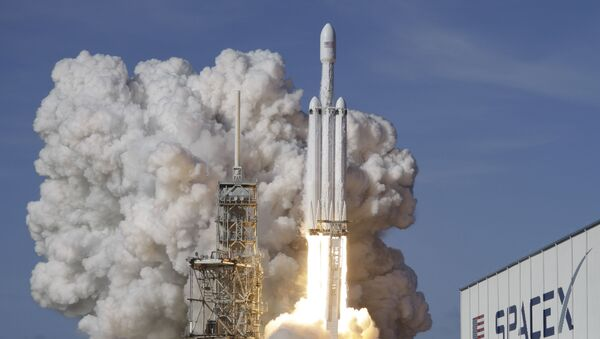 Raketový nosič Falcon 9 SpaceX heavy - Sputnik Česká republika