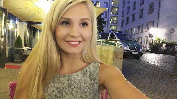 Lauren Southernová konzervativní kanadská aktivistka a internetová celebrita - Sputnik Česká republika