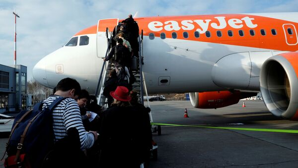 Letoun easyJet Aurbus A319-111 OE-LQN - Sputnik Česká republika