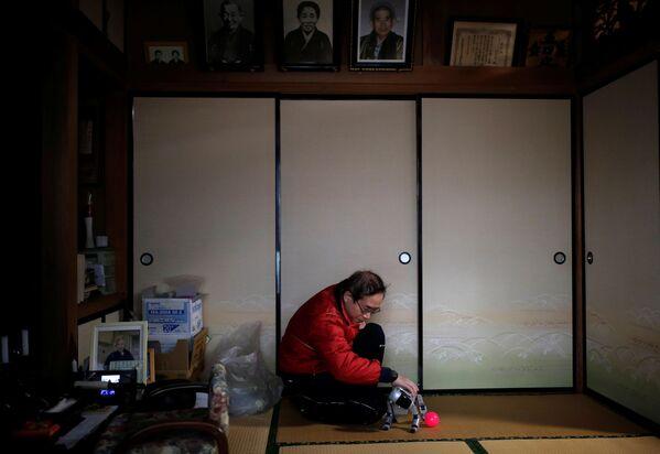 V našem světe žije hodně lidí o samotě. Jak roboti pomáhají starším lidem - Sputnik Česká republika