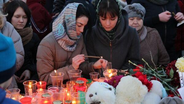 V Rusku a zahraničí proběhly akce věnované památce zemřelým v Kemerovu - Sputnik Česká republika