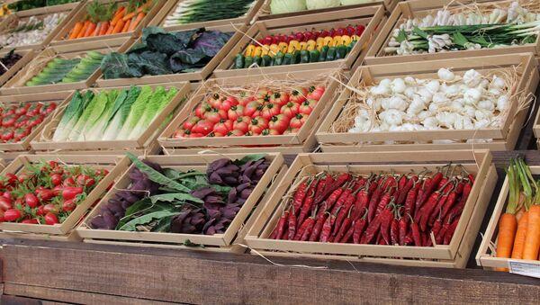 Zelenina na trhu - Sputnik Česká republika