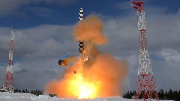 Start rakety Sarmat - Sputnik Česká republika