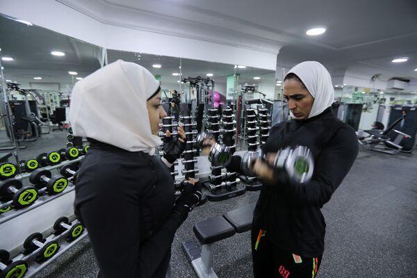 Ženské fitness orientálně. Jak sportují ženy v Saúdské Arábii - Sputnik Česká republika