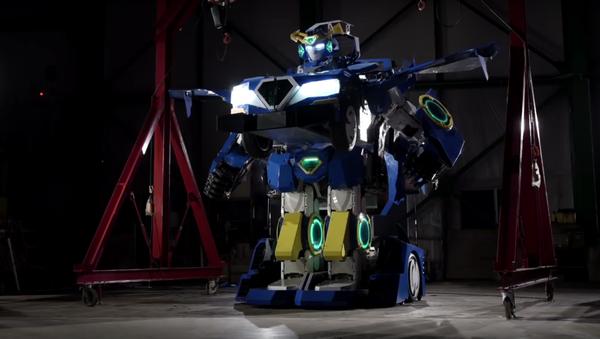 Japonský transformer se na skutečný automobil mění za minutu - Sputnik Česká republika