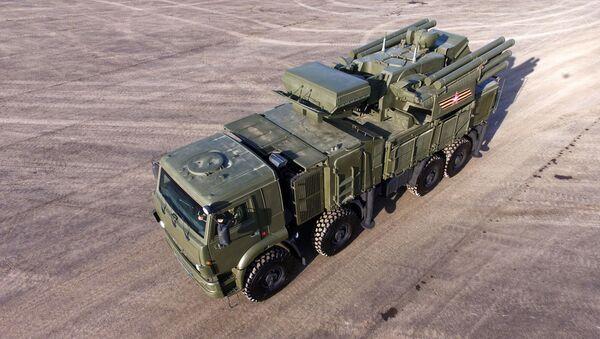 Protiletadlový raketový a kanónový komplex Pancir-S - Sputnik Česká republika