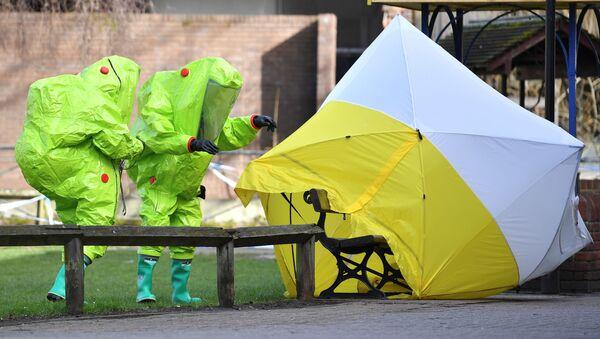 Britští specialisté pracují na místě otravy Skripale  - Sputnik Česká republika