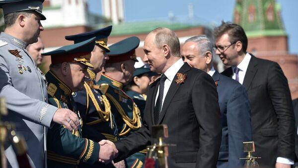 Putin, Netanjahu a Vučić na Přehlídce vítězství - Sputnik Česká republika