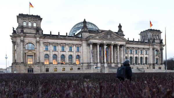 Историческое здание Рейхстага в центре Берлина - Sputnik Česká republika