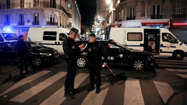 Policie v místě útoku nožem v Paříži - Sputnik Česká republika