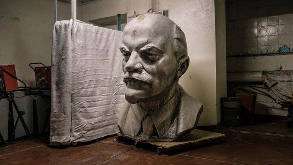 Hledání ztraceného Lenina: Jak na Ukrajině předělávají sochy vůdce - Sputnik Česká republika