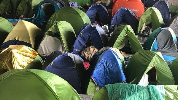 Největší uprchlický tábor v Paříži - Sputnik Česká republika