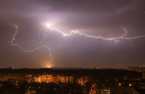Jarní bouřka v Moskvě - Sputnik Česká republika