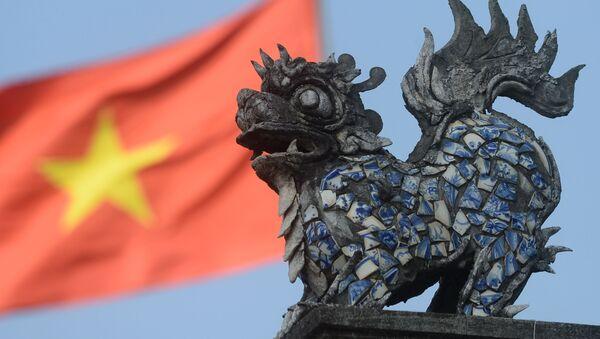 Vchod do chrámu na okraji Hanoje, Vietnam. Ilustrační foto - Sputnik Česká republika