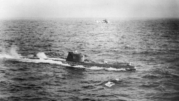 Sovětská ponorka B-59 míří k pobřeží Kuby během operace Anadyr v roce 1962 - Sputnik Česká republika