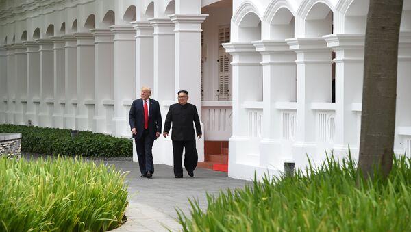 Americký prezident s lídrem KLDR v Singapuru - Sputnik Česká republika