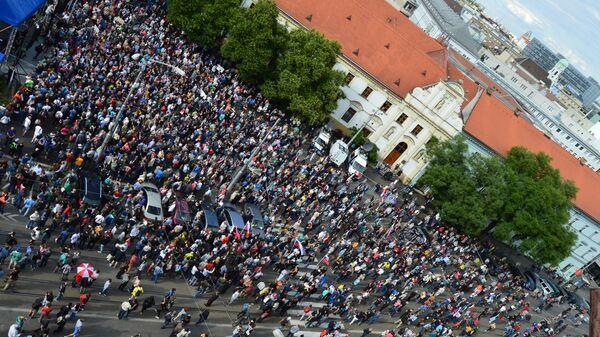 Protesty za slušné Slovensko slabnú: v Bratislave sa zišlo 5 tisíc ľudí - Sputnik Česká republika