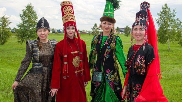 Baursaky, džigité a koně: Mezinárodní festival Turkických národů - Sputnik Česká republika