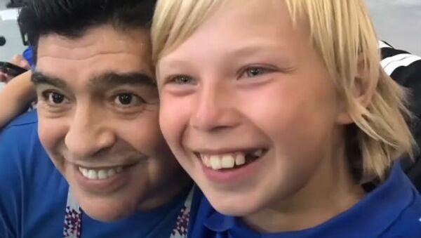 Child+Maradona+title Czech 1280x720 - Sputnik Česká republika