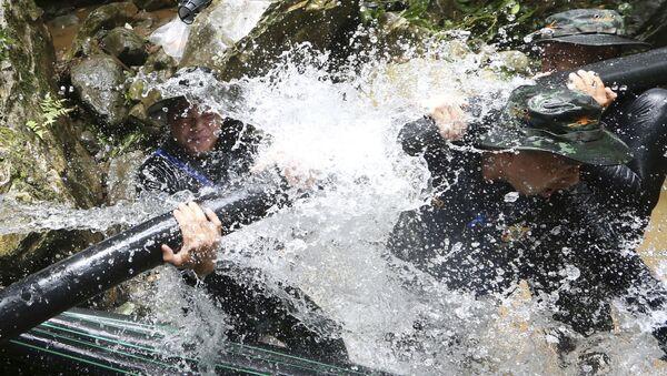 Záchrana dětí v thajské jeskyni - Sputnik Česká republika