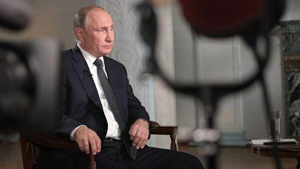 Ruský prezident Vladimir Putin během rozhovoru pro televizi Fox News - Sputnik Česká republika