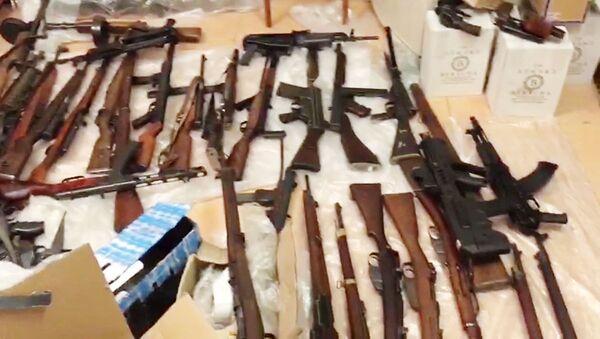 FSB zlikvidovala kanál pro zásobování zbraní z EU - Sputnik Česká republika
