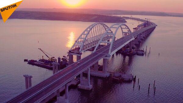 První koleje na železniční části Krymského mostu - Sputnik Česká republika