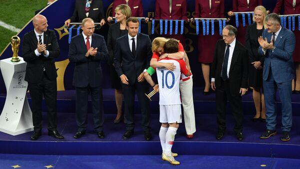Chorvatský fotbalista Luka Modrić získal Zlatý míč pro nejlepšího hráče MS 2018 - Sputnik Česká republika