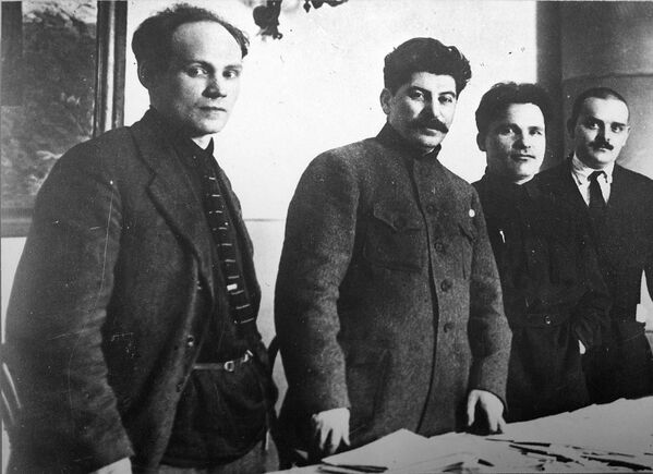 Sovětský Photoshop. Jak se snadno měnily dějiny - Sputnik Česká republika