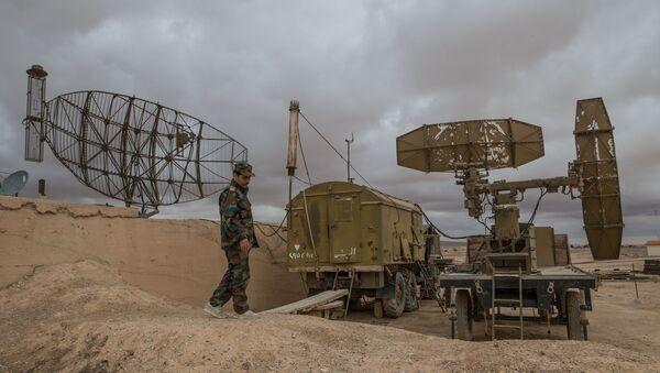 Syrská protivzdušná obrana v provincii Homs - Sputnik Česká republika