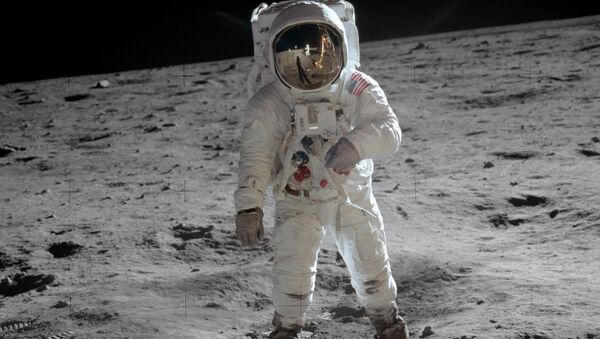 Edwin (Buzz) Aldrin na Měsíci - Sputnik Česká republika