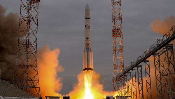 Raketa Proton s kosmickým aparátem ExoMars - 2016 během startu z Bajkonuru - Sputnik Česká republika