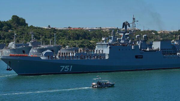 Fregata Admiral Essen v Sevastopolu - Sputnik Česká republika