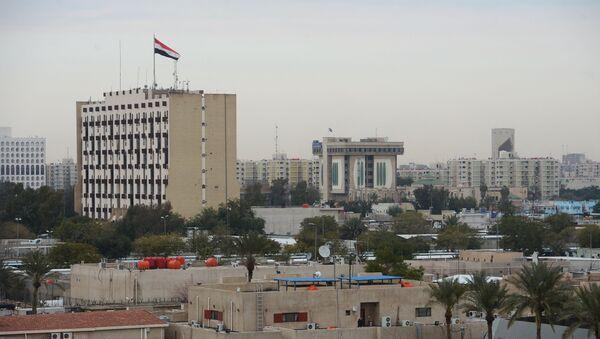 Zelená zóna v centru Bagdádu, kde sídlí vládní budovy i americké velvyslanectví - Sputnik Česká republika