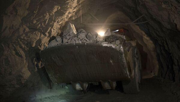 Těžební šachta ve Sverdlovské oblasti. Ilustrační foto - Sputnik Česká republika