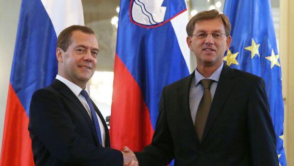 Předseda ruské vlády Dmitrij Medveděv a předseda slovinské vlády Miroslav Cerar - Sputnik Česká republika