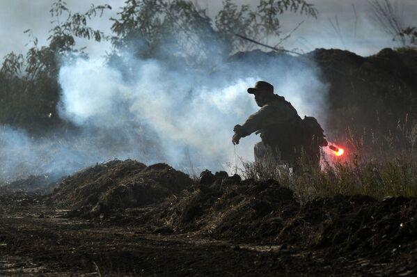 Taktická cvičení divize motorizovaných zbraní Jižního vojenského okruhu v Rostovské oblasti - Sputnik Česká republika