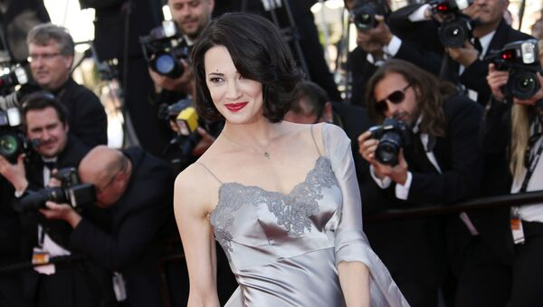 Italská herečka a režisérka Asia Argentová na 66. mezinárodním filmovém festivalu v Cannes (26. května 2013) - Sputnik Česká republika