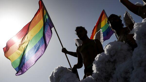 Účastníci pochodu LGBT v Španělsku. Ilustrační foto - Sputnik Česká republika