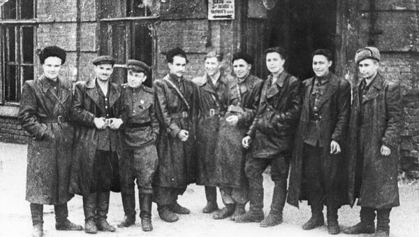 Skupina partizánov z oddielu Pomstiteľ - Sputnik Česká republika