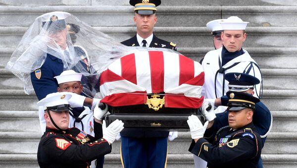 Pohřeb amerického senátora Johna McCaina - Sputnik Česká republika