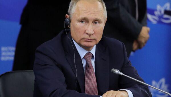 Ruský prezident Vladimir Putin na čtvrtém Východním ekonomickém fóru. - Sputnik Česká republika