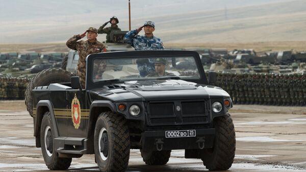 Ministr obrany Čínské lidové republiky Wej Feng-che a zástupce vedoucího společného štábu armády ČLR - Sputnik Česká republika