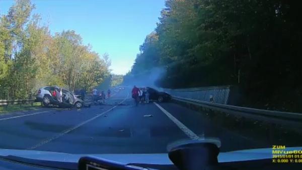 Nehoda na Slovensku za účasti polských řidičů s luxusními vozy - Sputnik Česká republika