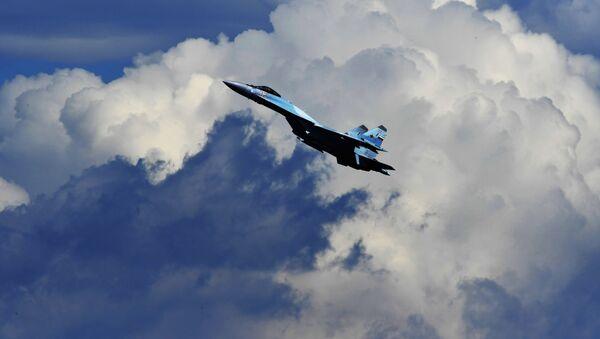 Vícefunkční stíhací letoun Su-35 - Sputnik Česká republika