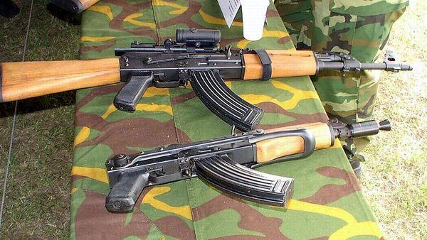 Samopaly Zastava M70B a Zastava M92. Ilustrační foto - Sputnik Česká republika