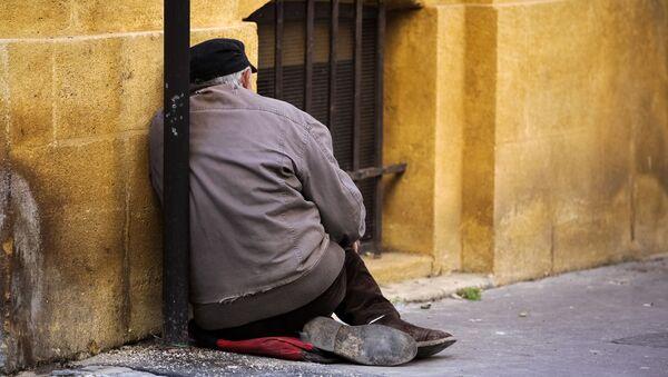 Muž bez domova na ulici - Sputnik Česká republika