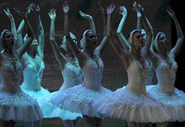 Baletky na galakoncertu Hvězdy baletu XXI. století na scéně Státního kremelského paláce. - Sputnik Česká republika