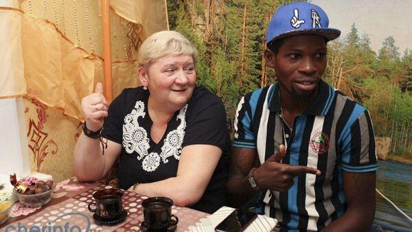 Natalja Vedeninová a její manžel, nigerijský princ Gabriel Segun Ajaji - Sputnik Česká republika