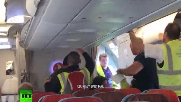 Pokus o deportaci Somálce v Londýně - Sputnik Česká republika